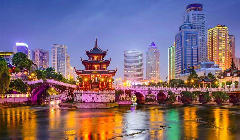 Несмотря на все свое огромное население, в Китае используется всего около 200 фамилий.